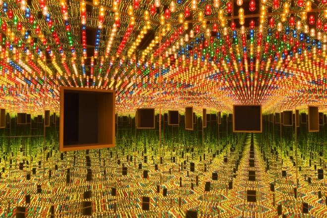 Kusama_Infinity_Mirrored_Room_Love_Forever.jpg