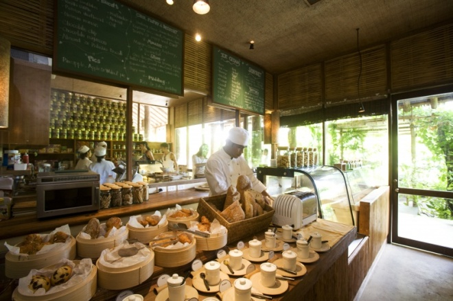 Thebetterplaces_sixsenses_pastryshop_thailand.jpeg