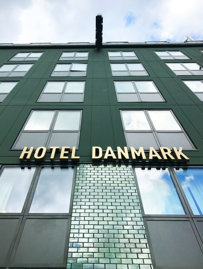 the-better-places-cityguide-jessie-helena-schoeller-gloria-vonbronewski-hotel-danmark-copenhagen-design-guideHotel-Danmark-Facade2