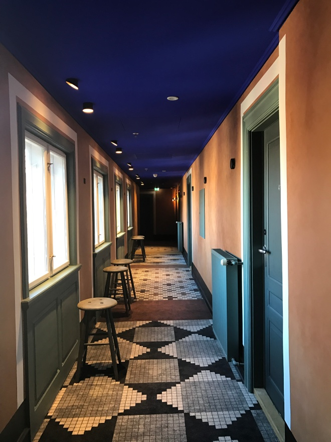 the-better-places-design-crush-jessie-helena-schoeller-gloria-vonbronewski-hotel-danmark-copenhagenHallway_1