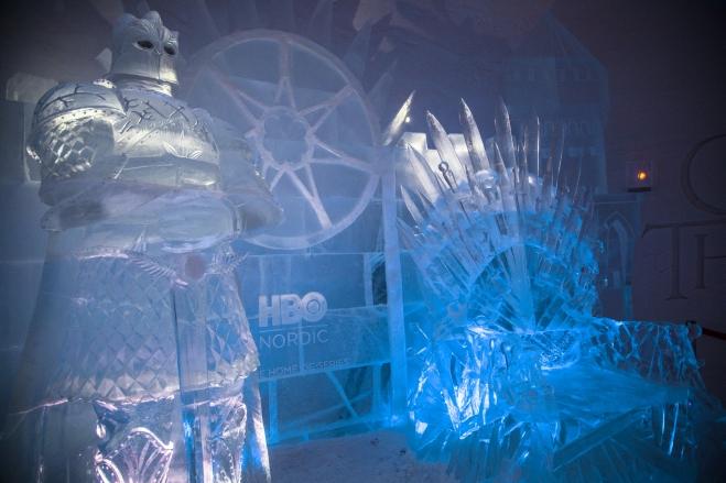 the-better-places-snow-village-hbo-game-of-thrones-lapland-schoeller-jessie-vonbronewski-gloria-schoeller-helena-reiseblog-travel-blogironthrone2