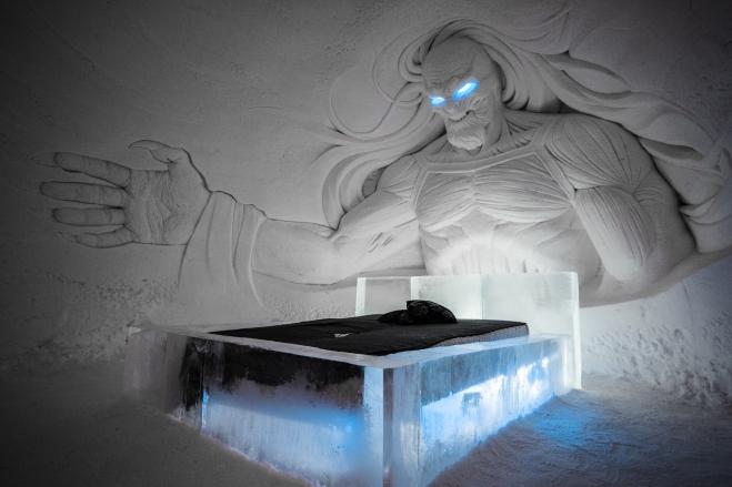 the-better-places-snow-village-hbo-game-of-thrones-lapland-schoeller-jessie-vonbronewski-gloria-schoeller-helena-reiseblog-travel-blogwhitewalker1