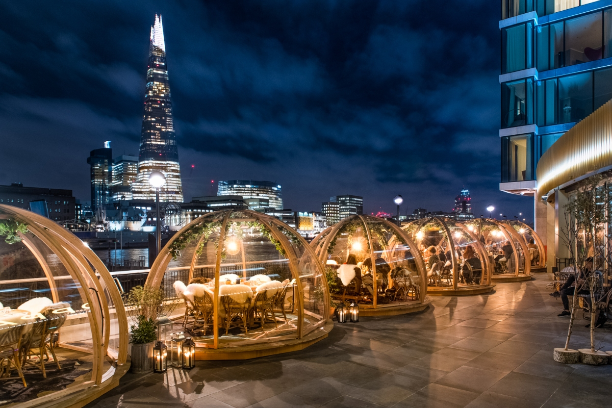 Dining in an igloo overlooking london at the coppa club for Design hotel londra