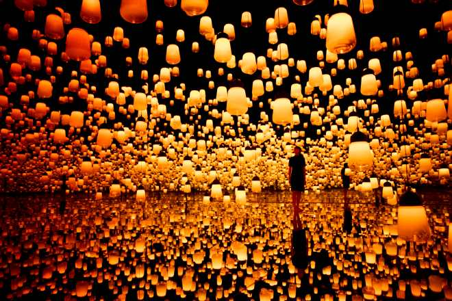 thebetterplaces_digitalmuseumtokyo_forestoflamps
