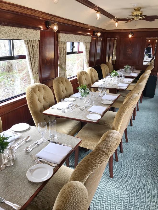 Thebetterplaces_train_scotland_dining.jpg