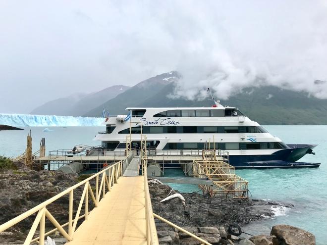 thebetterplaces_elcalafate_boattrip_iceberg.jpg