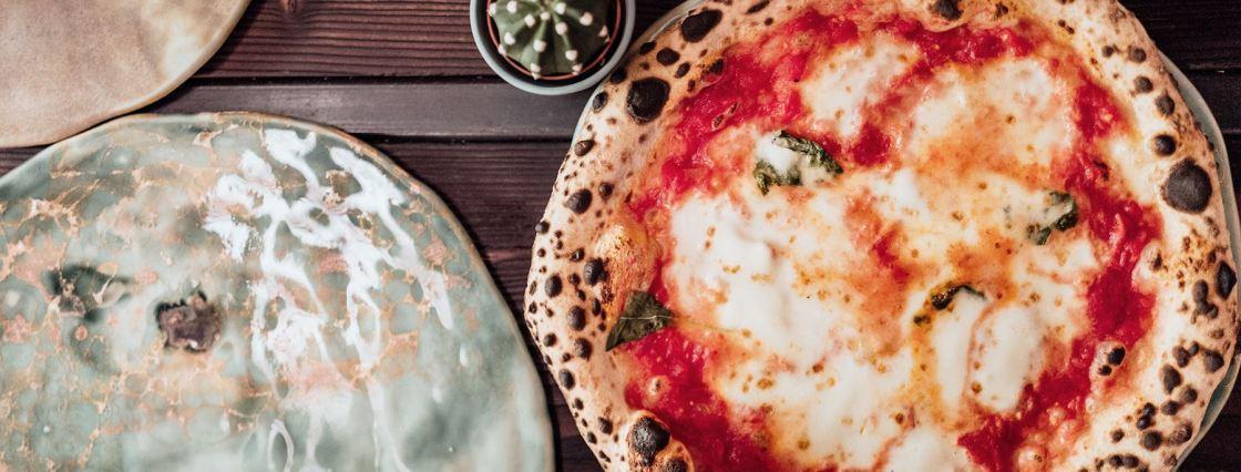 Best Neapolitan Pizza Hamburg Tazzi Pizza The Better Places restaurant food guide